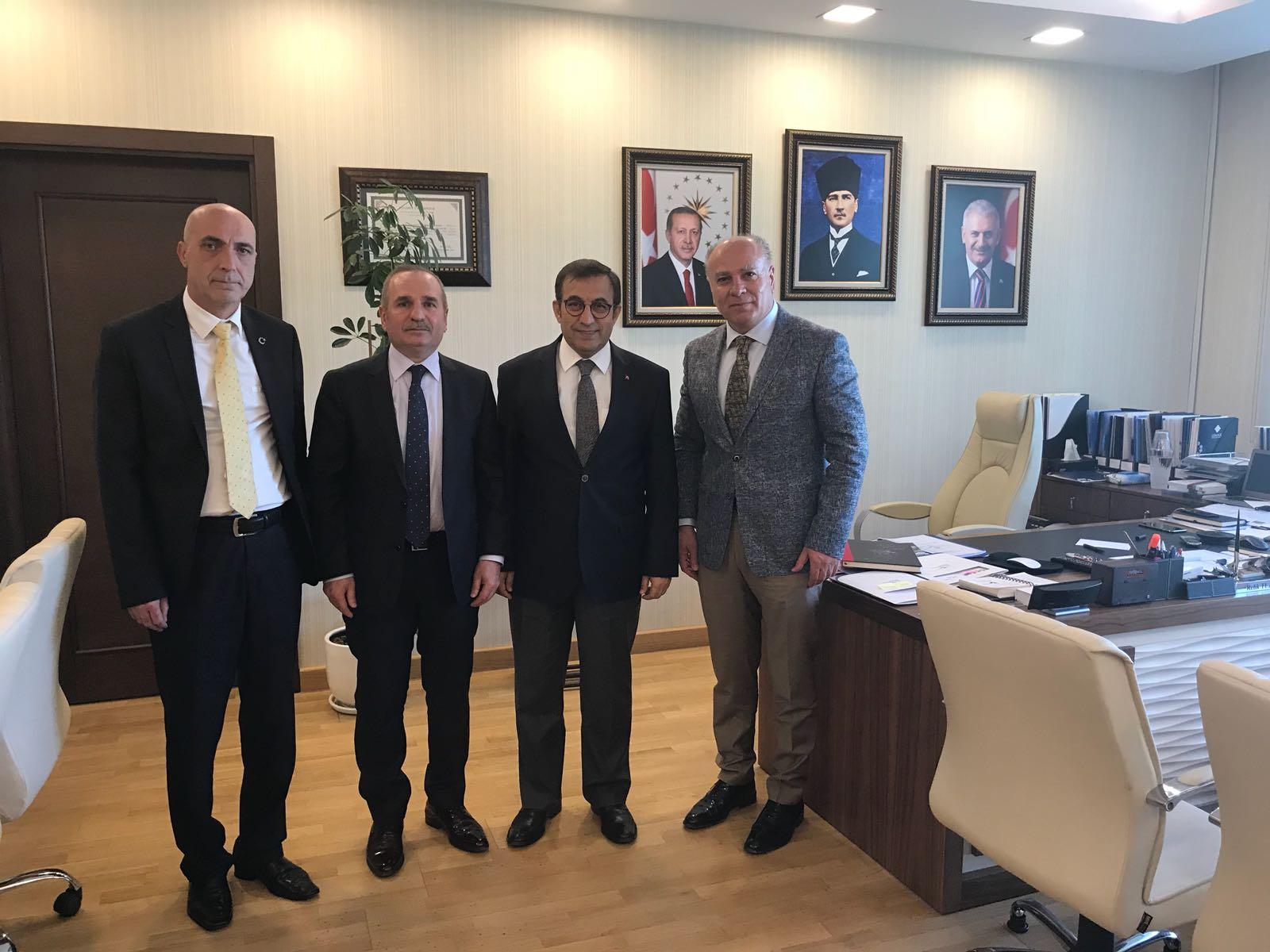 Genel Başkanımız Salih Demir, Genel Başkan Yardımcımız Etem Yaşar Yılmaz ve Ankara 3 Nolu Şube Başkanımız Ali Can ile birlikte Çevre ve Şehircilik Bakanlığı Müsteşar Yardımcısı Refik Tuzcuoğlu'nu ziyaret etti.